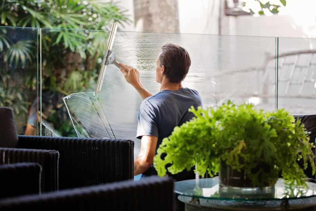 Balcony window glass cleaning