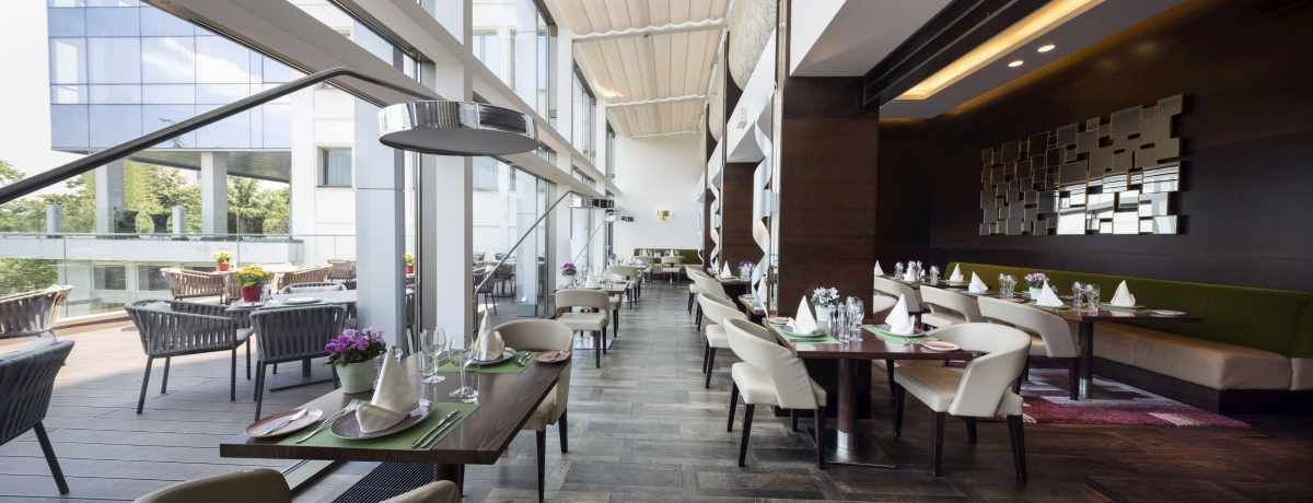 modern Restaurant cleaning by MCA group